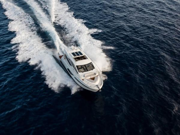 2020 Sea Ray boat for sale, model of the boat is L550 & Image # 42 of 48