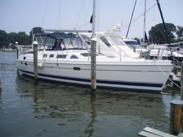 Hunter 456 Racers and Cruisers. Listing Number: M-3684526 45' Hunter 456