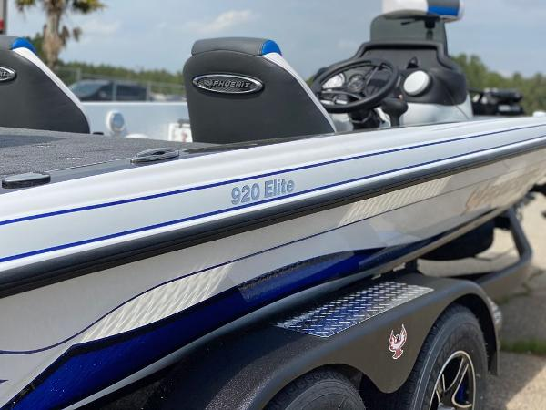 2020 Phoenix boat for sale, model of the boat is 920 Elite & Image # 4 of 8