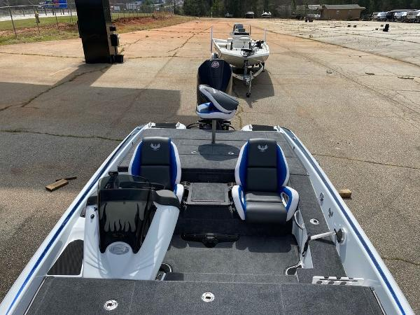 2020 Phoenix boat for sale, model of the boat is 920 Elite & Image # 5 of 8
