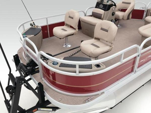2020 Sun Tracker boat for sale, model of the boat is Bass Buggy® 18 DLX & Image # 11 of 48
