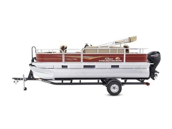 2020 Sun Tracker boat for sale, model of the boat is Bass Buggy® 18 DLX & Image # 15 of 48