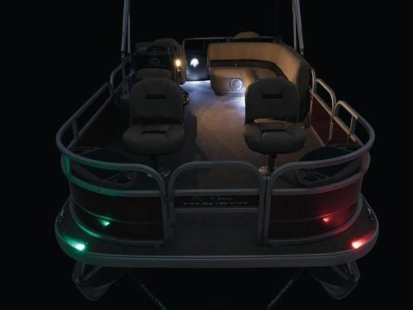 2020 Sun Tracker boat for sale, model of the boat is Bass Buggy® 18 DLX & Image # 18 of 48