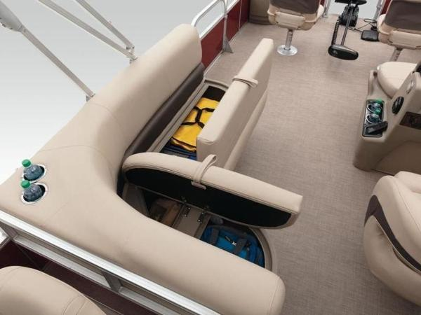 2020 Sun Tracker boat for sale, model of the boat is Bass Buggy® 18 DLX & Image # 19 of 48