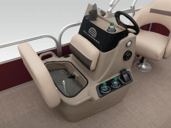 2020 Sun Tracker boat for sale, model of the boat is Bass Buggy® 18 DLX & Image # 32 of 48