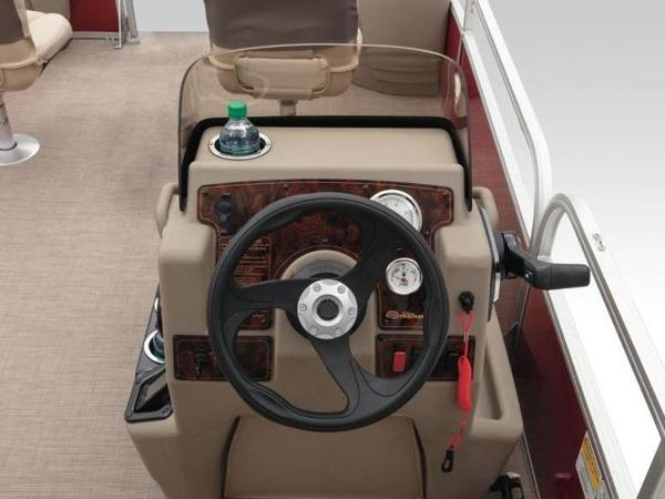 2020 Sun Tracker boat for sale, model of the boat is Bass Buggy® 18 DLX & Image # 37 of 48