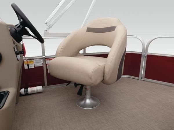 2020 Sun Tracker boat for sale, model of the boat is Bass Buggy® 18 DLX & Image # 40 of 48