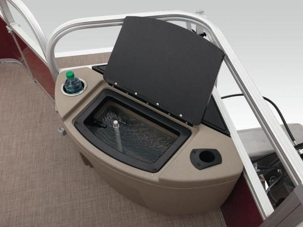 2020 Sun Tracker boat for sale, model of the boat is Bass Buggy® 18 DLX & Image # 42 of 48