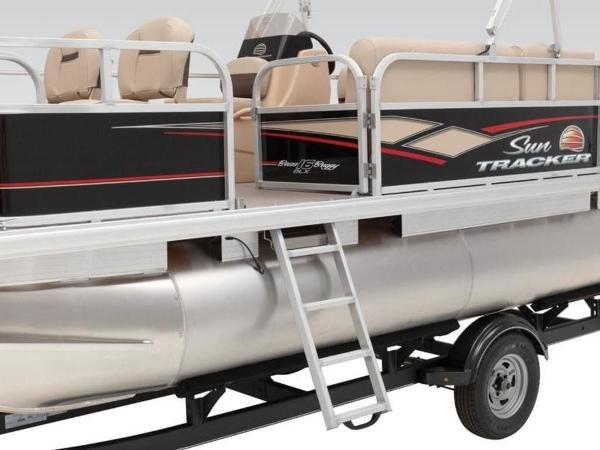 2020 Sun Tracker boat for sale, model of the boat is BASS BUGGY® 16 DLX ET & Image # 10 of 33