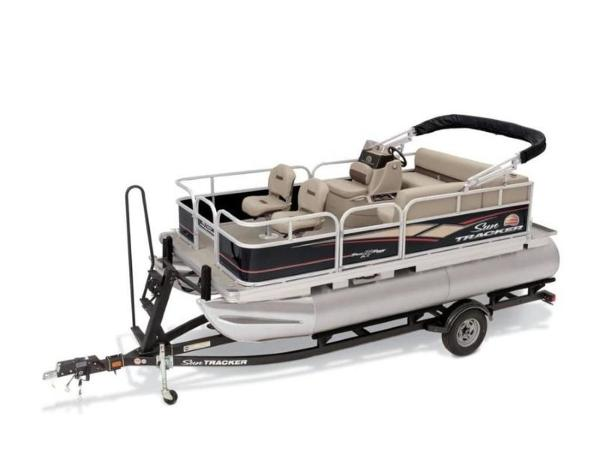2020 Sun Tracker boat for sale, model of the boat is BASS BUGGY® 16 DLX ET & Image # 18 of 33