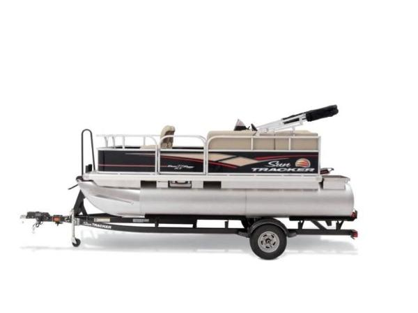 2020 Sun Tracker boat for sale, model of the boat is BASS BUGGY® 16 DLX ET & Image # 19 of 33