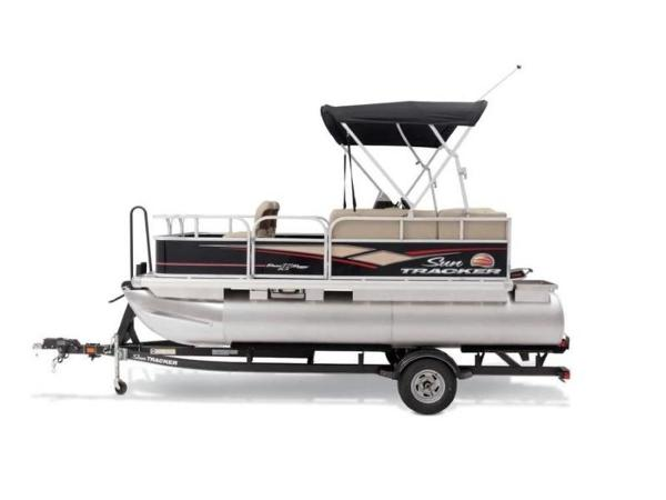 2020 Sun Tracker boat for sale, model of the boat is BASS BUGGY® 16 DLX ET & Image # 25 of 33