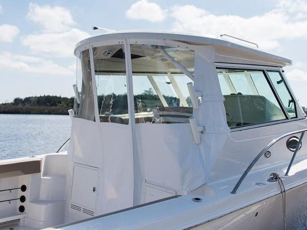 2020 Sailfish boat for sale, model of the boat is 320 EXP & Image # 8 of 37