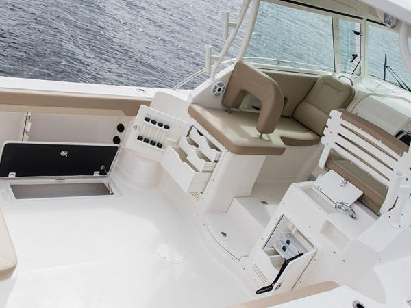 2020 Sailfish boat for sale, model of the boat is 320 EXP & Image # 10 of 37