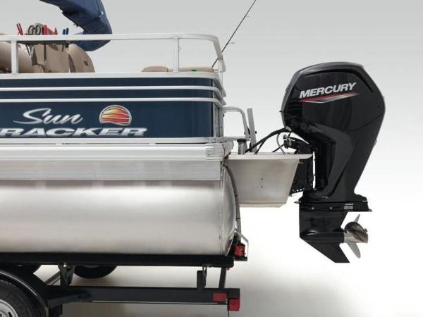 2020 Sun Tracker boat for sale, model of the boat is FISHIN' BARGE® 22 DLX & Image # 11 of 65