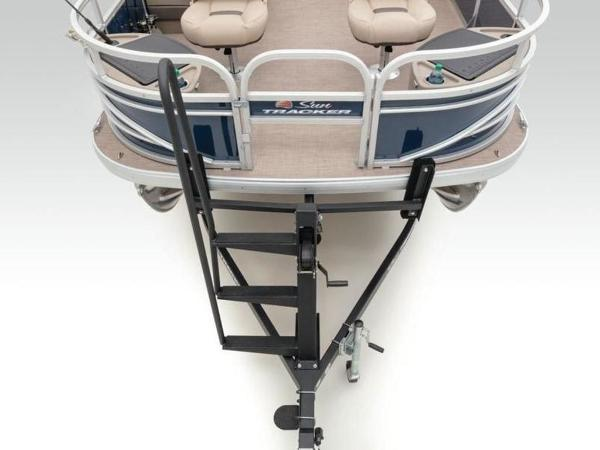 2020 Sun Tracker boat for sale, model of the boat is FISHIN' BARGE® 22 DLX & Image # 15 of 65