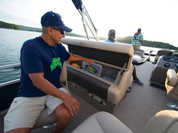 2020 Sun Tracker boat for sale, model of the boat is FISHIN' BARGE® 22 DLX & Image # 51 of 65