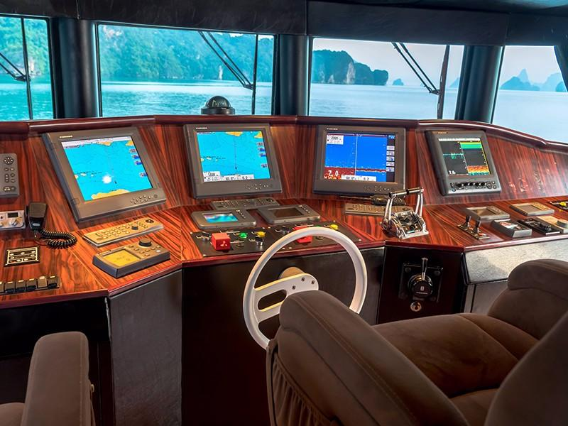 Incat Crowther Power Catamaran - Helm