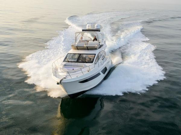 2020 Sea Ray boat for sale, model of the boat is L550 Fly & Image # 8 of 46
