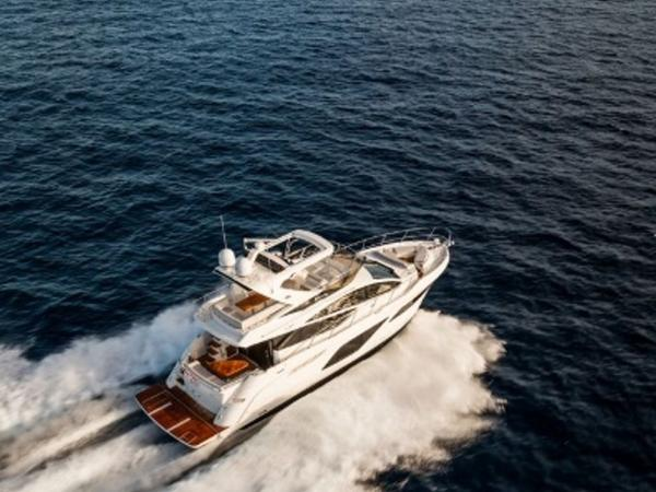 2020 Sea Ray boat for sale, model of the boat is L550 Fly & Image # 20 of 46