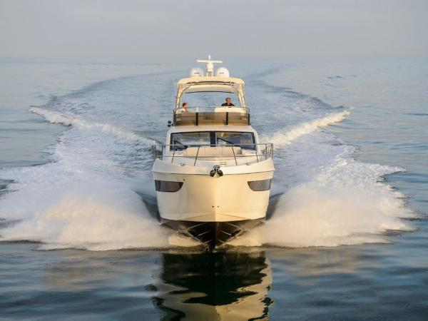 2020 Sea Ray boat for sale, model of the boat is L550 Fly & Image # 32 of 46