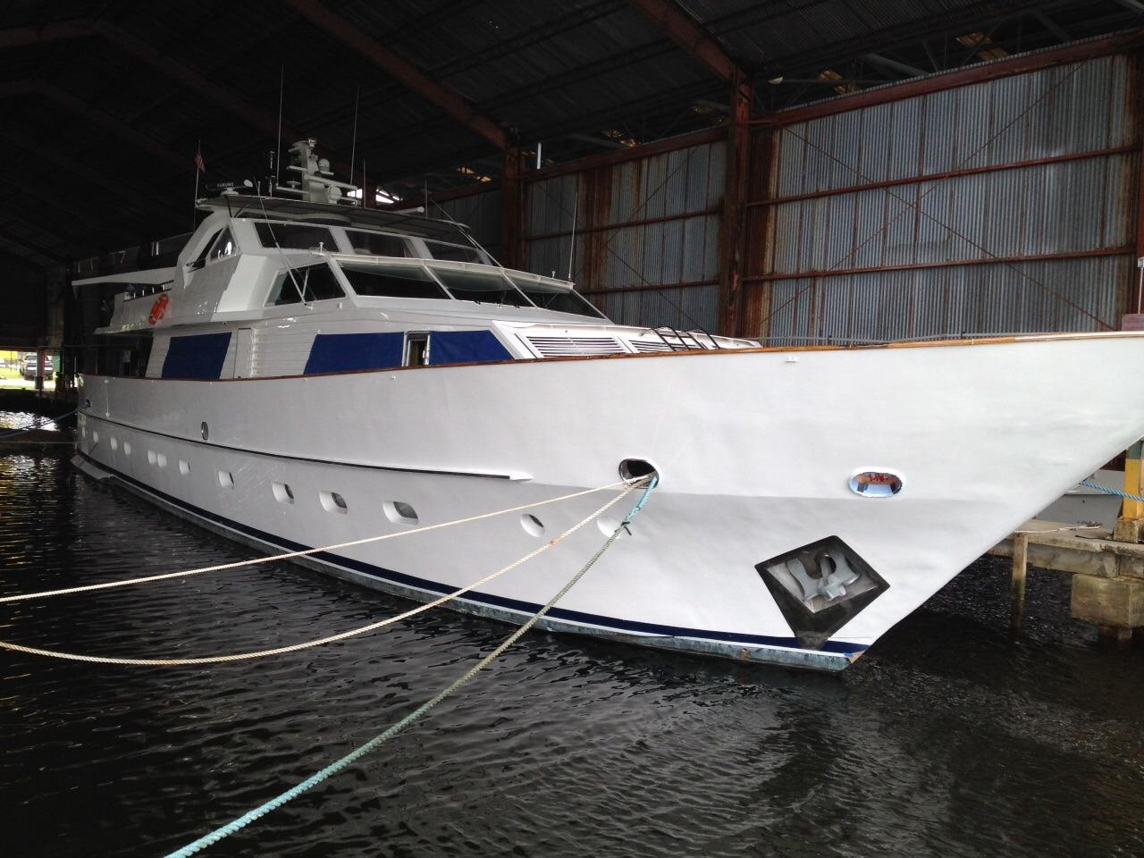 Chediek 105 New Paint Hull Bow
