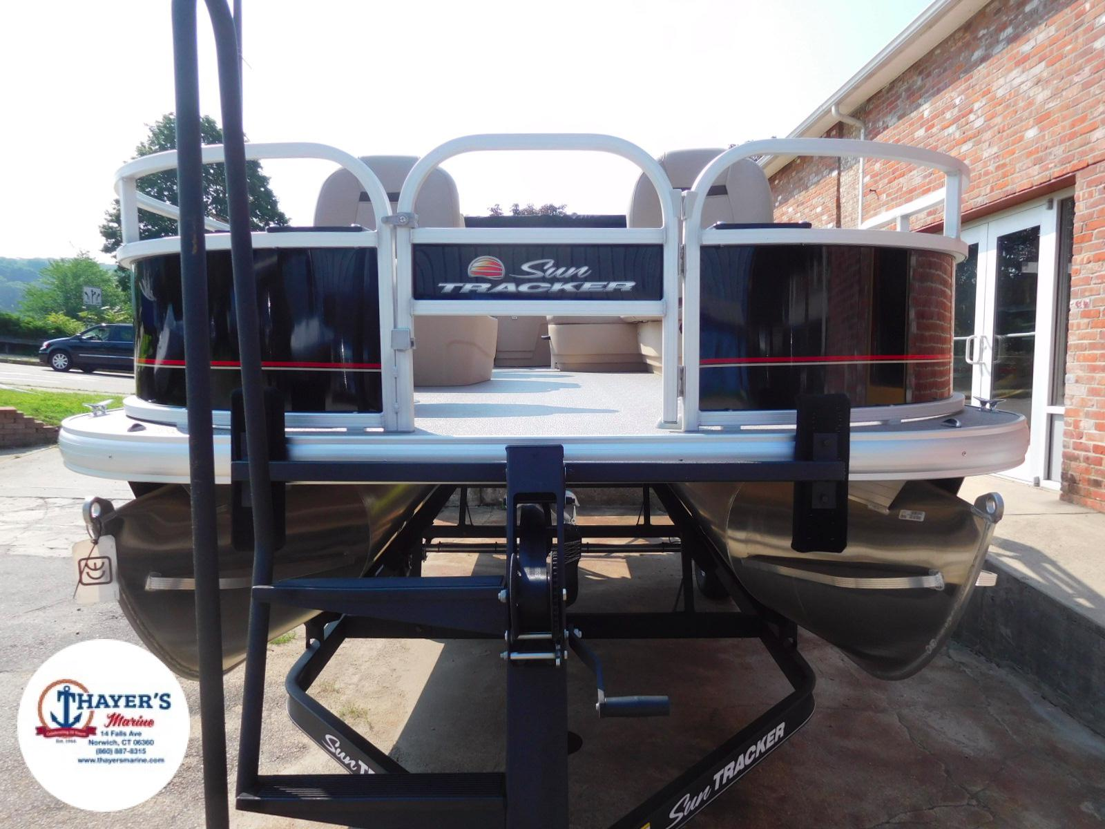 2018 Sun Tracker boat for sale, model of the boat is Bass Buggy 18 DLX & Image # 10 of 35