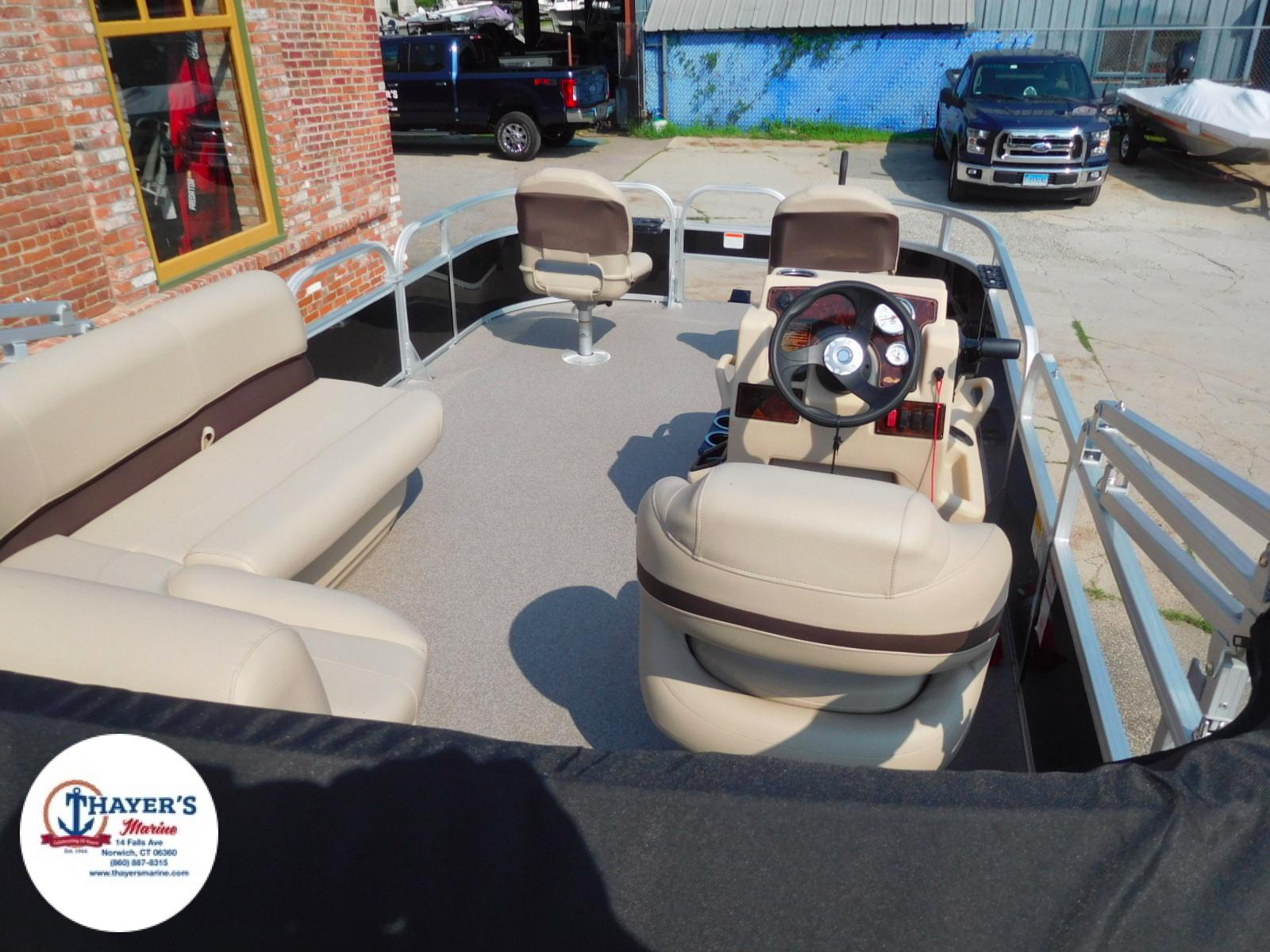2018 Sun Tracker boat for sale, model of the boat is Bass Buggy 18 DLX & Image # 16 of 35