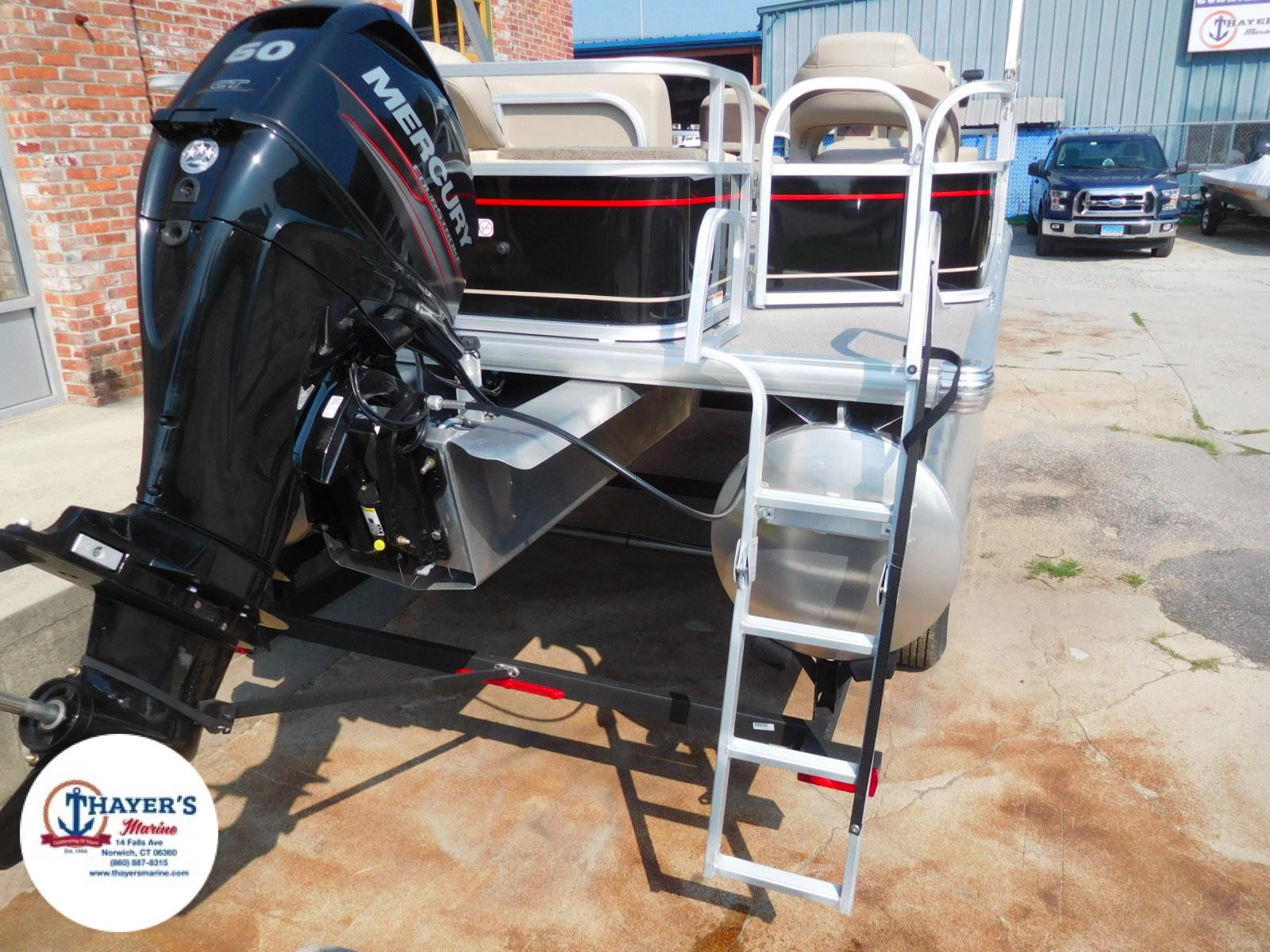 2018 Sun Tracker boat for sale, model of the boat is Bass Buggy 18 DLX & Image # 17 of 35