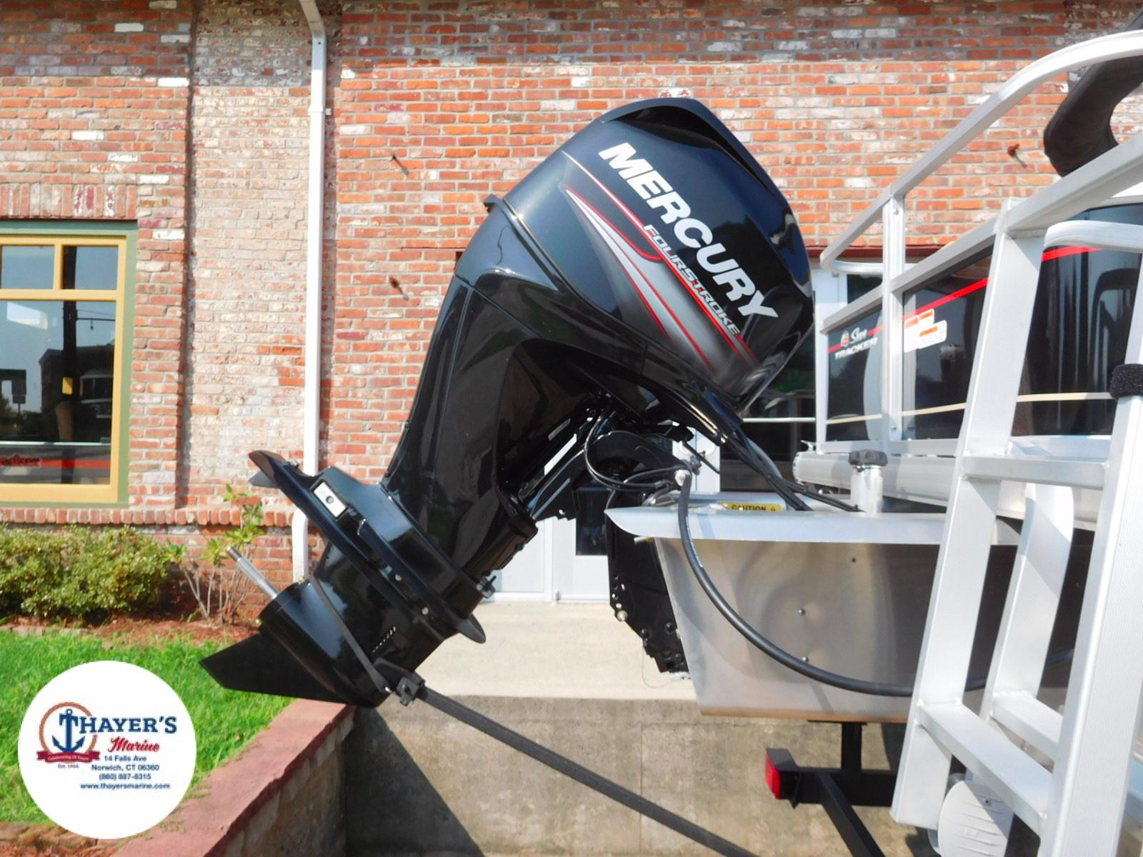2018 Sun Tracker boat for sale, model of the boat is Bass Buggy 18 DLX & Image # 18 of 35