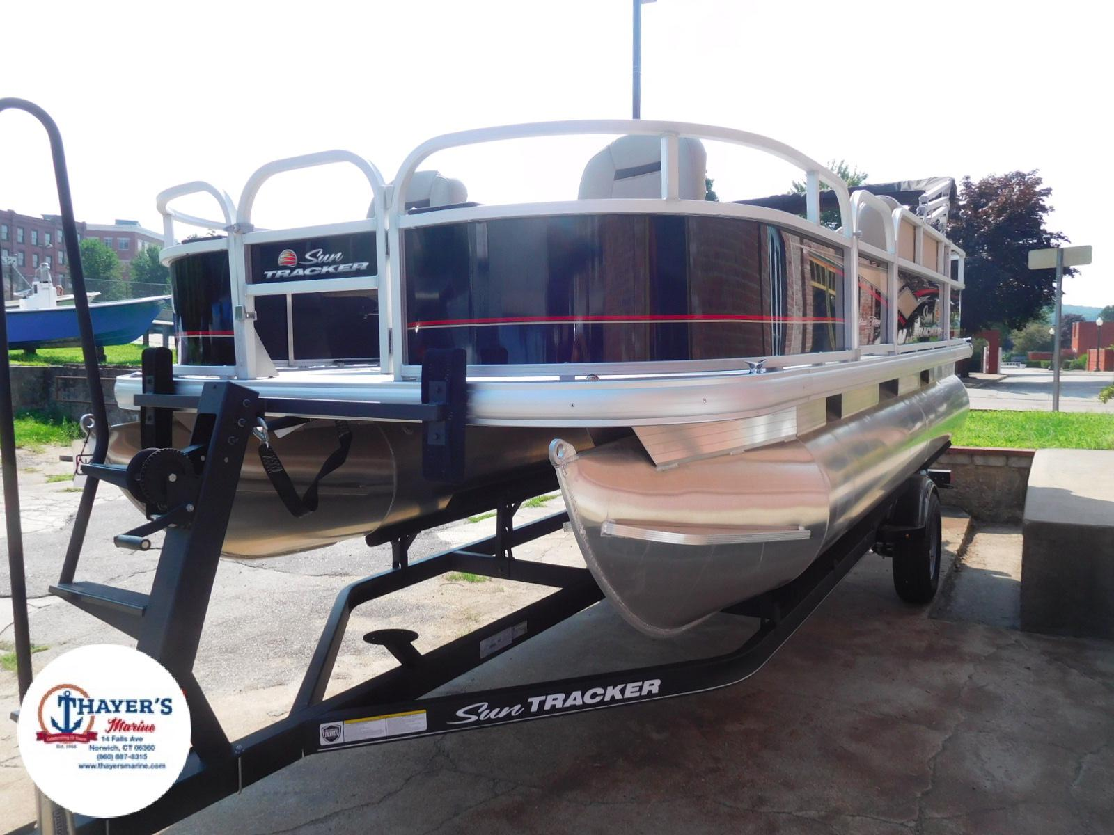 2018 Sun Tracker boat for sale, model of the boat is Bass Buggy 18 DLX & Image # 25 of 35