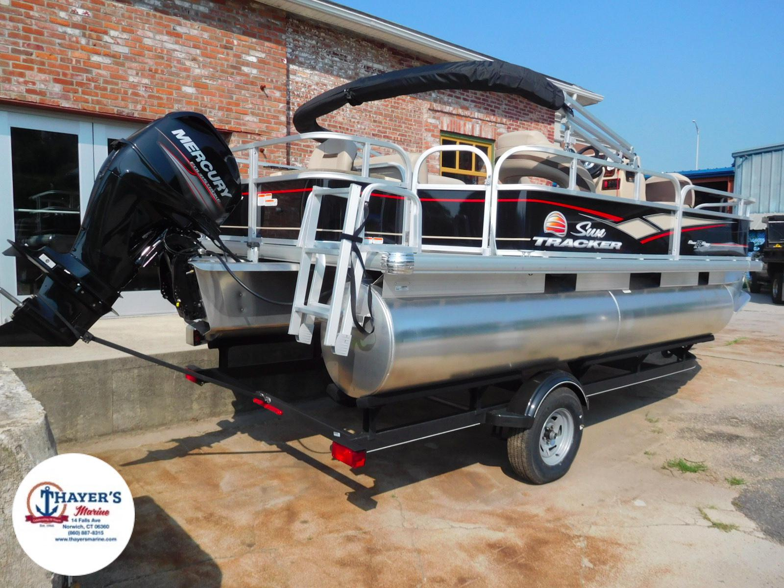 2018 Sun Tracker boat for sale, model of the boat is Bass Buggy 18 DLX & Image # 26 of 35