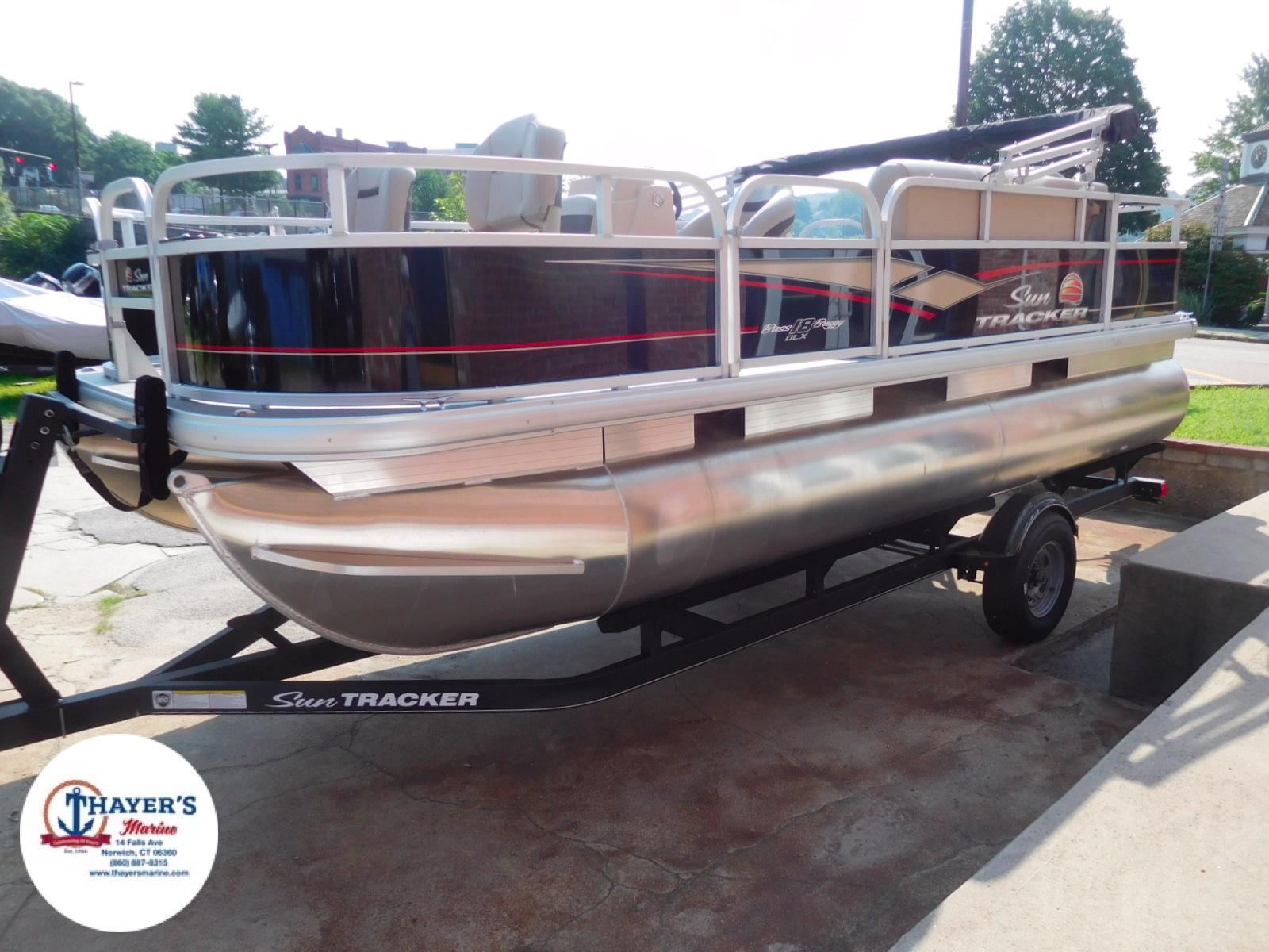 2018 Sun Tracker boat for sale, model of the boat is Bass Buggy 18 DLX & Image # 28 of 35
