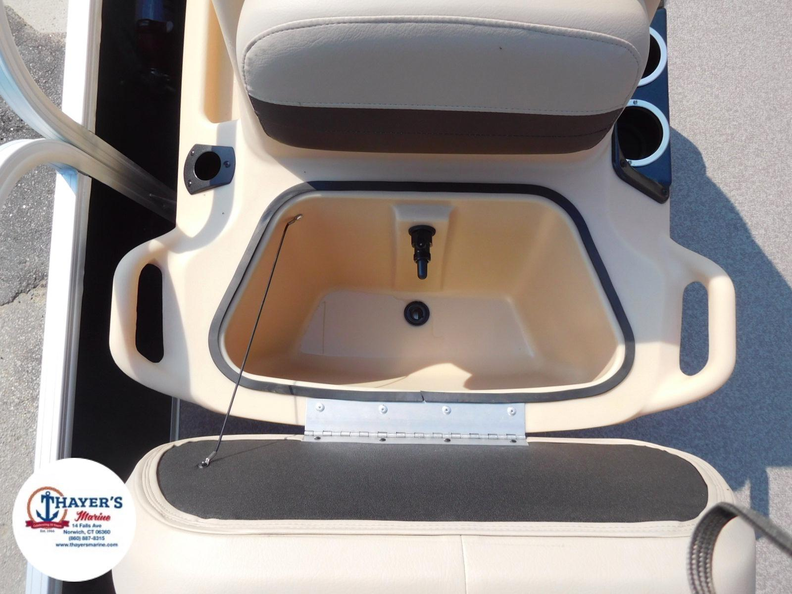 2018 Sun Tracker boat for sale, model of the boat is Bass Buggy 18 DLX & Image # 31 of 35