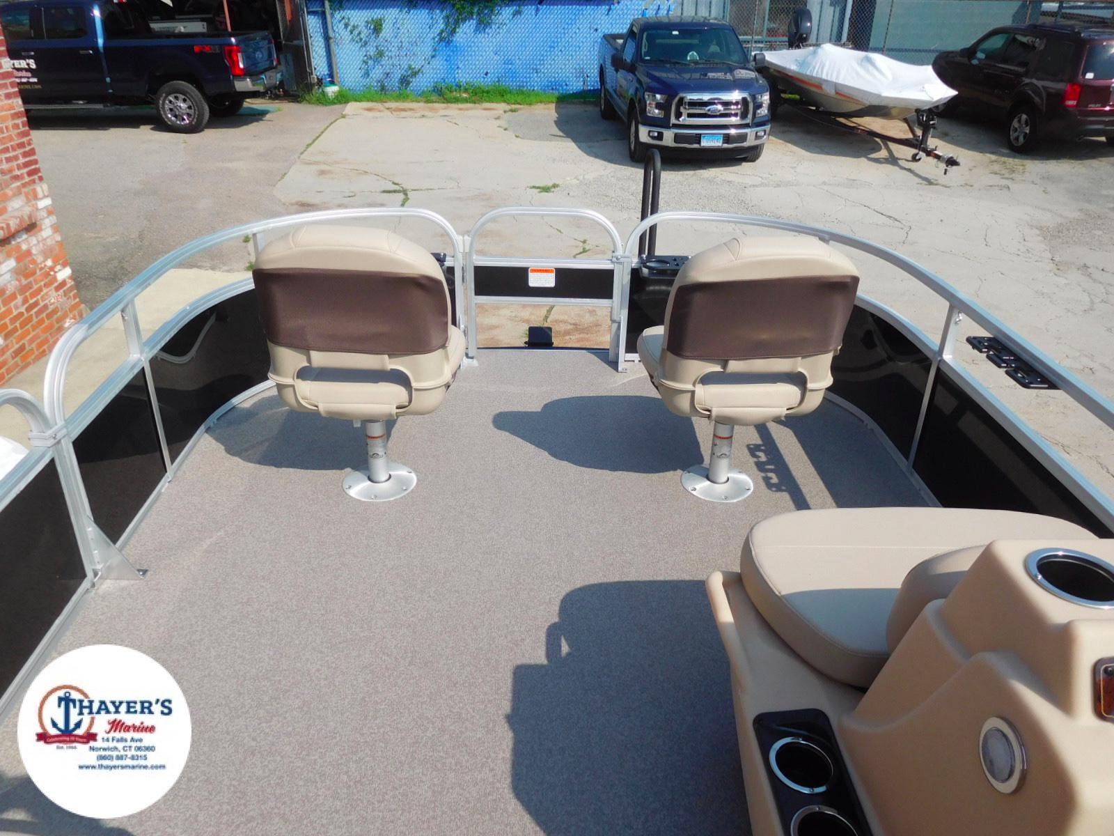 2018 Sun Tracker boat for sale, model of the boat is Bass Buggy 18 DLX & Image # 32 of 35