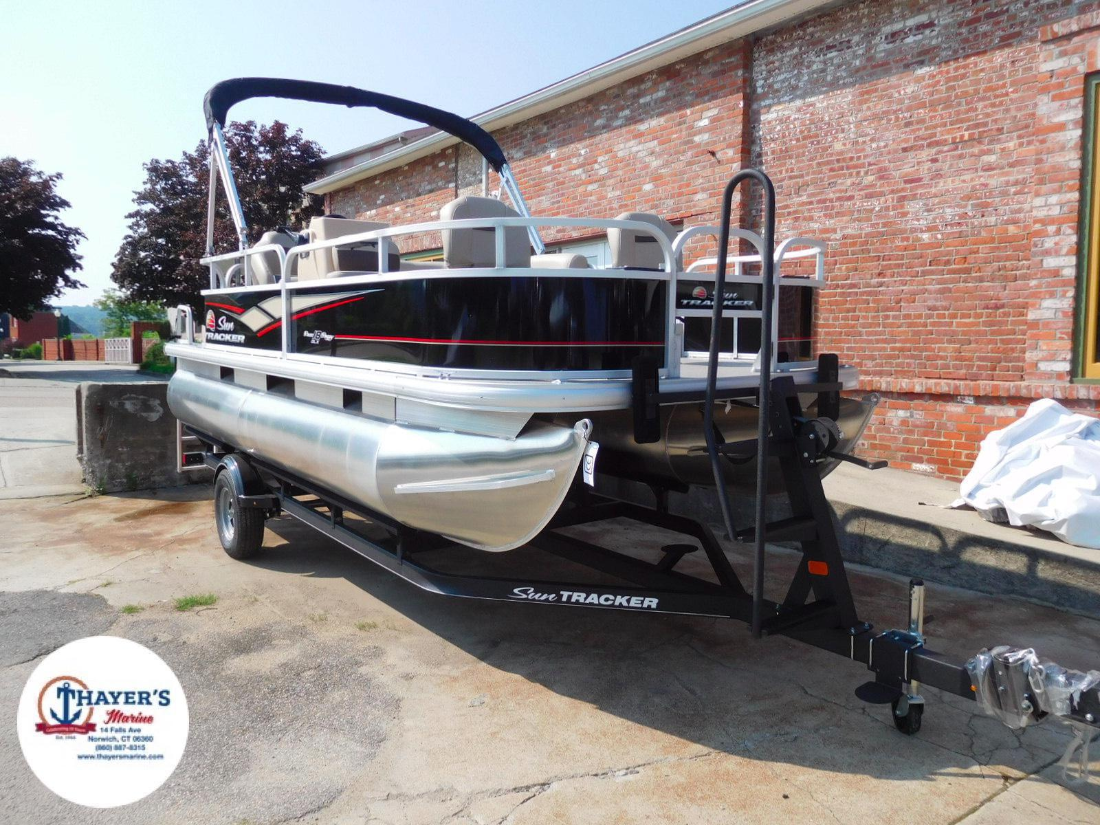 2018 Sun Tracker boat for sale, model of the boat is Bass Buggy 18 DLX & Image # 35 of 35