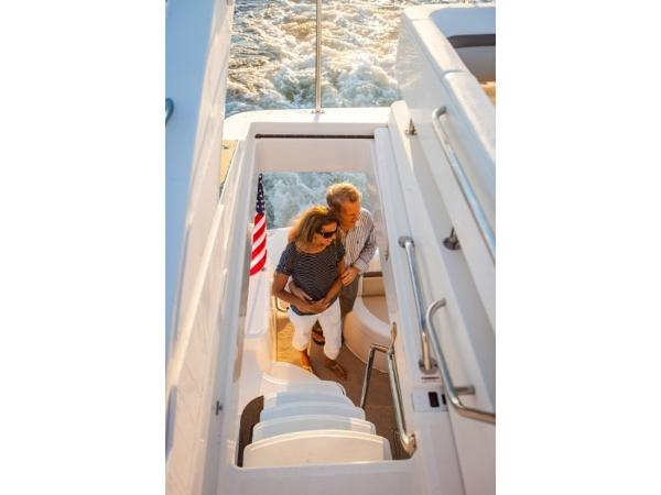 2020 Sea Ray boat for sale, model of the boat is Fly 510 & Image # 19 of 23