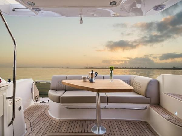 2020 Sea Ray boat for sale, model of the boat is Fly 510 & Image # 22 of 23