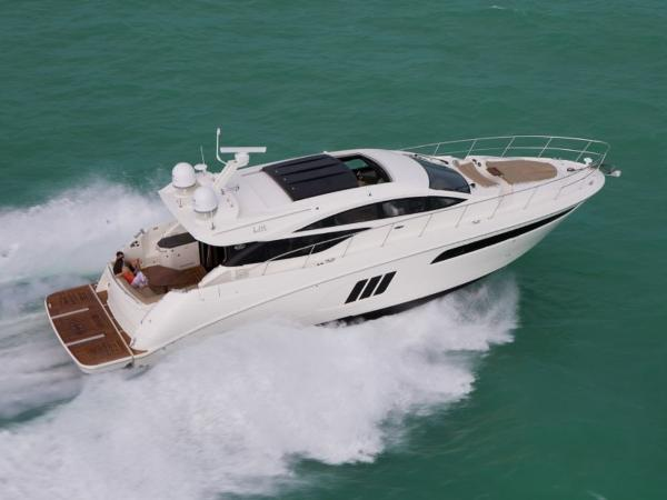 2020 Sea Ray boat for sale, model of the boat is L590 & Image # 3 of 52