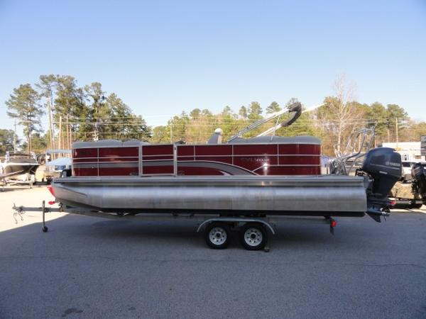 2015 SYLVAN 8522 MIRAGE LZ RE for sale