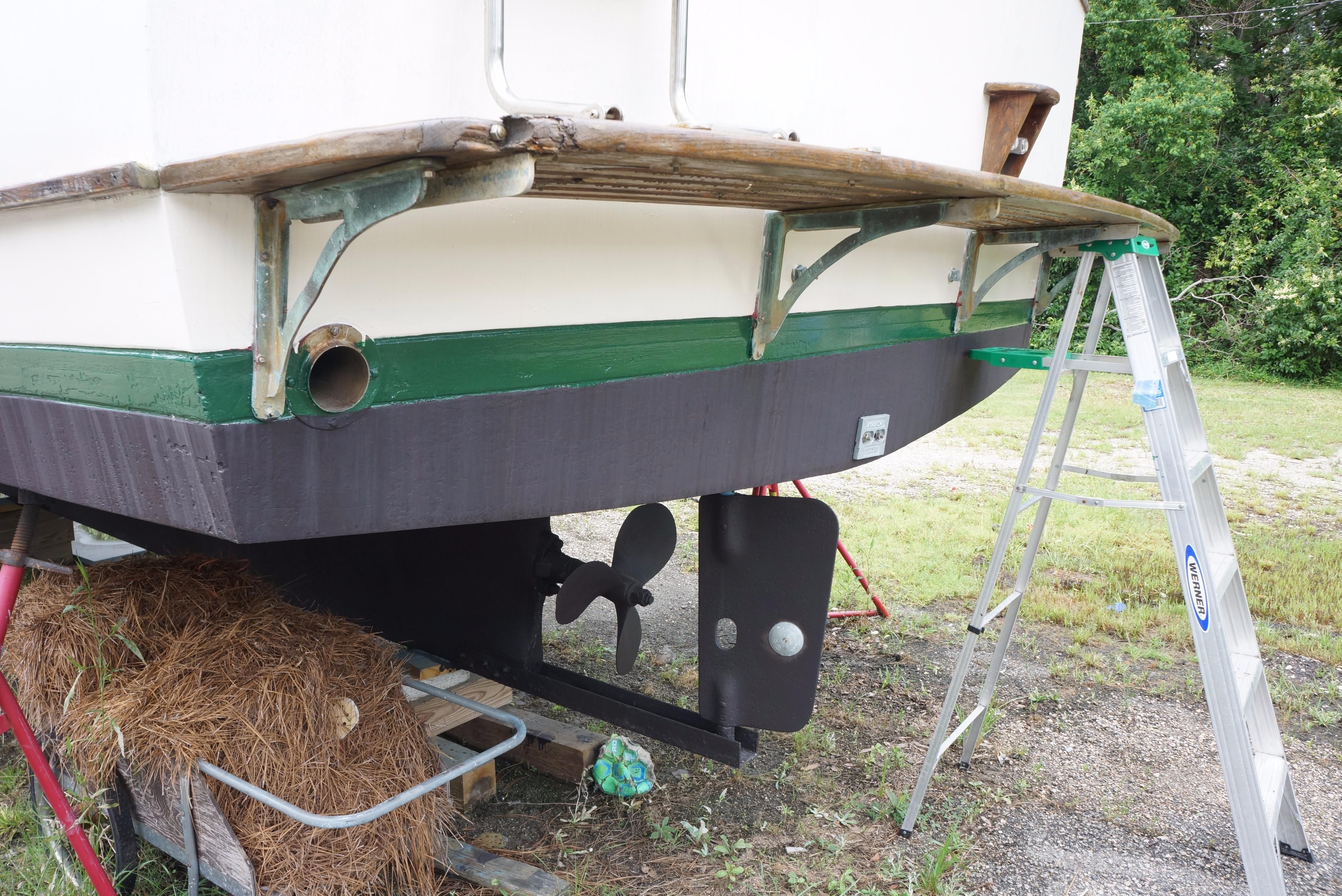 Marine Trader 34 Double Cabin - 34 Marine Trader Transom