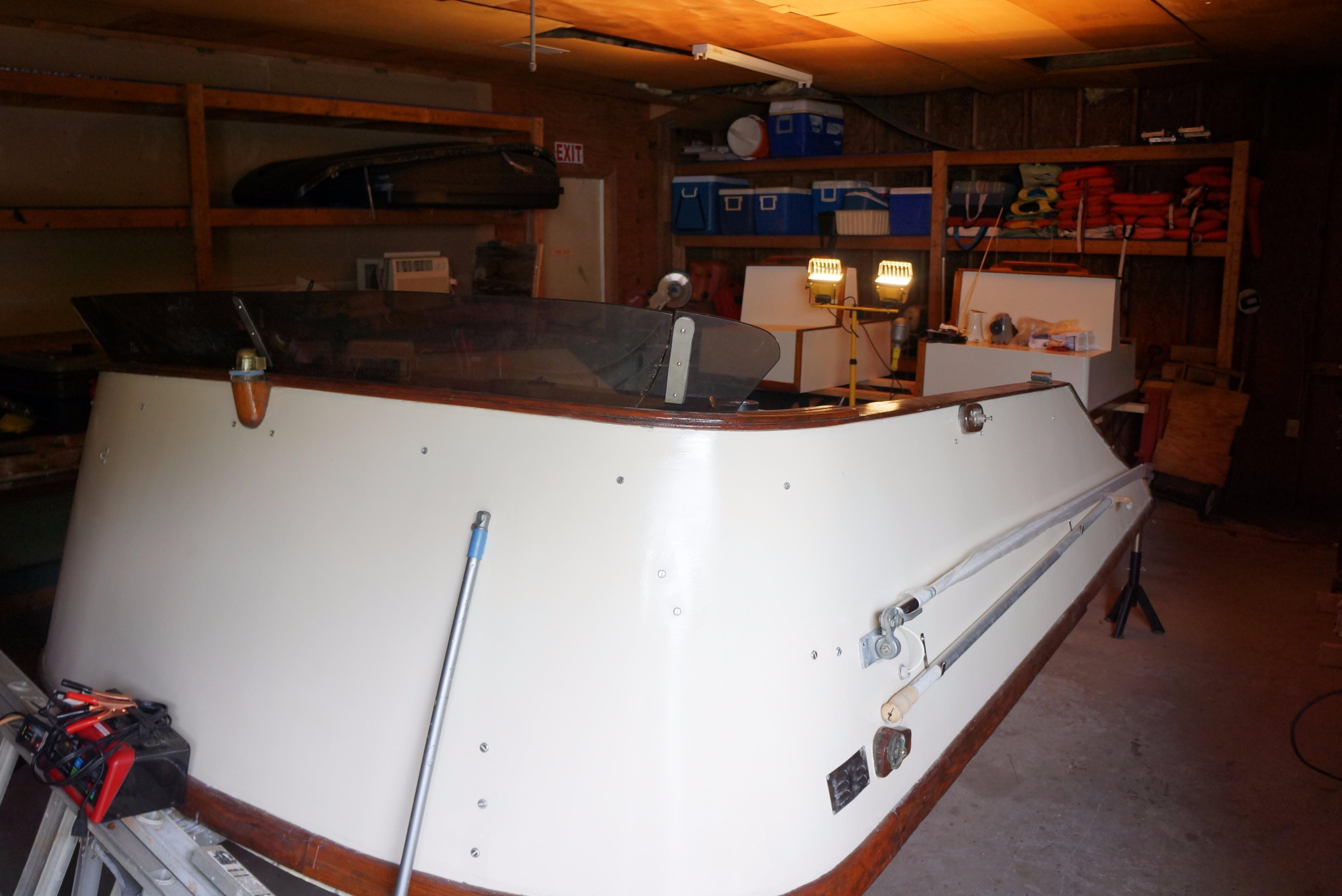 Marine Trader 34 Double Cabin - 34 Marine Trader Flybridge Fwd