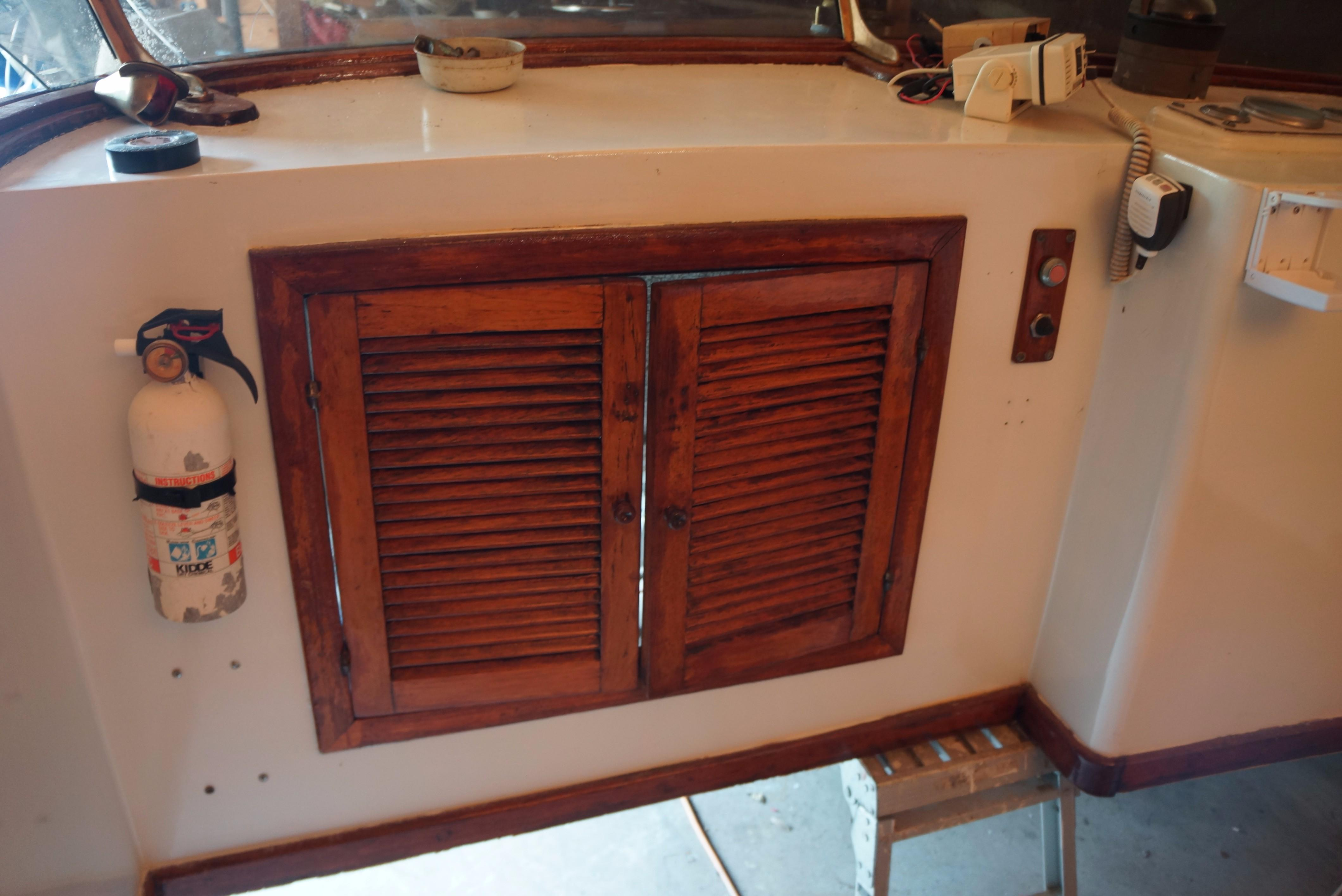 Marine Trader 34 Double Cabin - 34 Marine Trader Access Doors