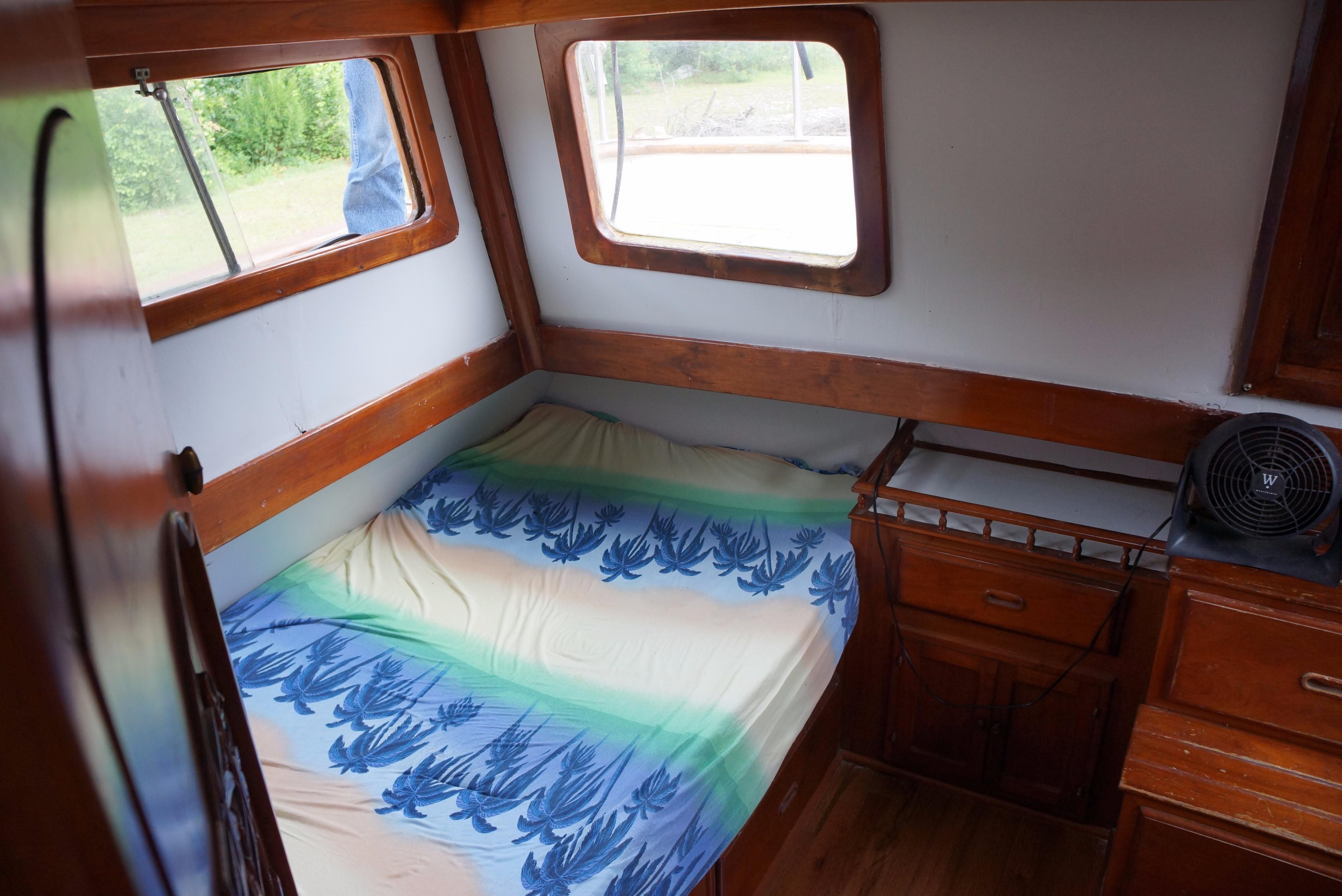 Marine Trader 34 Double Cabin - 34 Marine Trader Aft Cabin