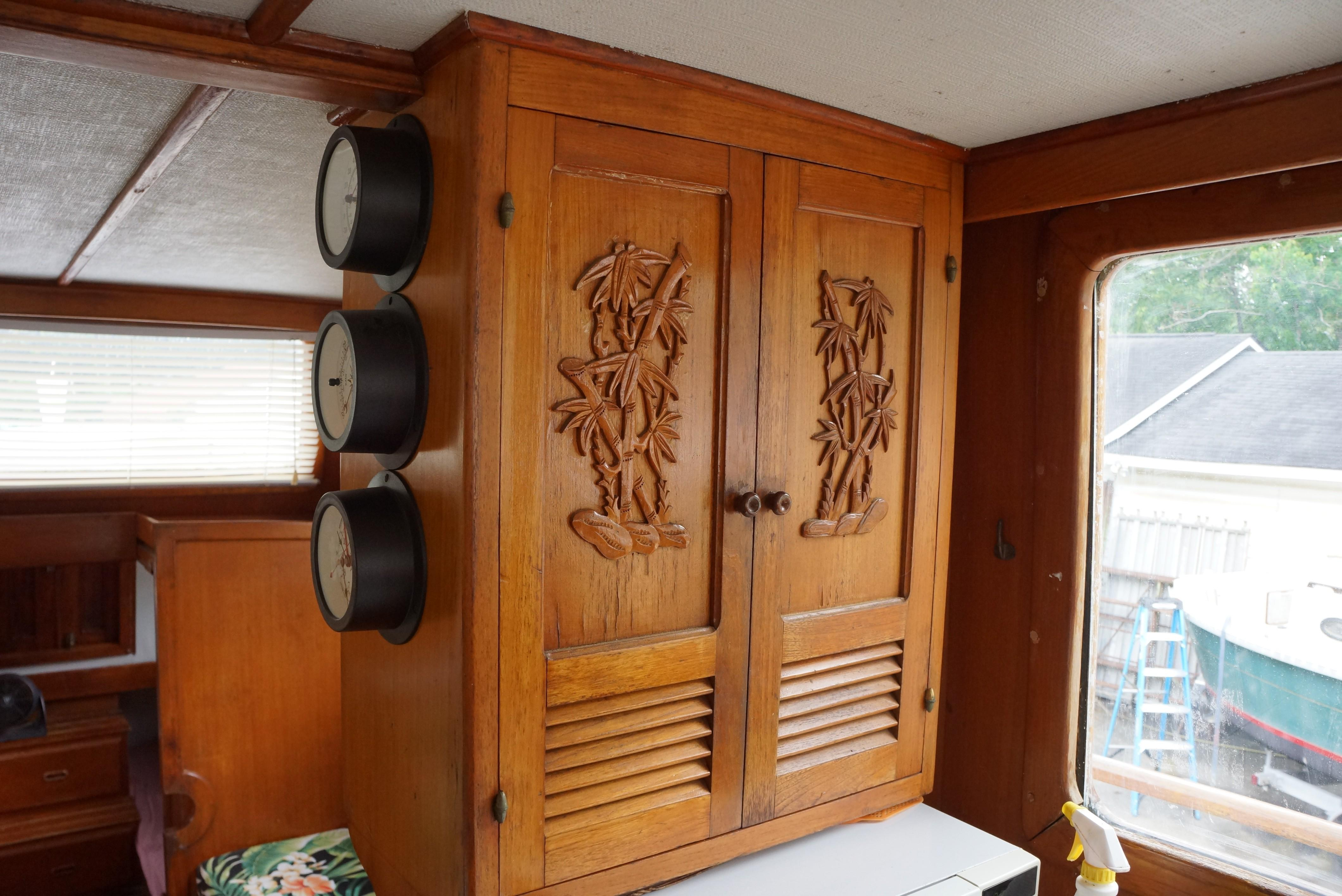 Marine Trader 34 Double Cabin - 34 Marine Trader Galley Cabinets