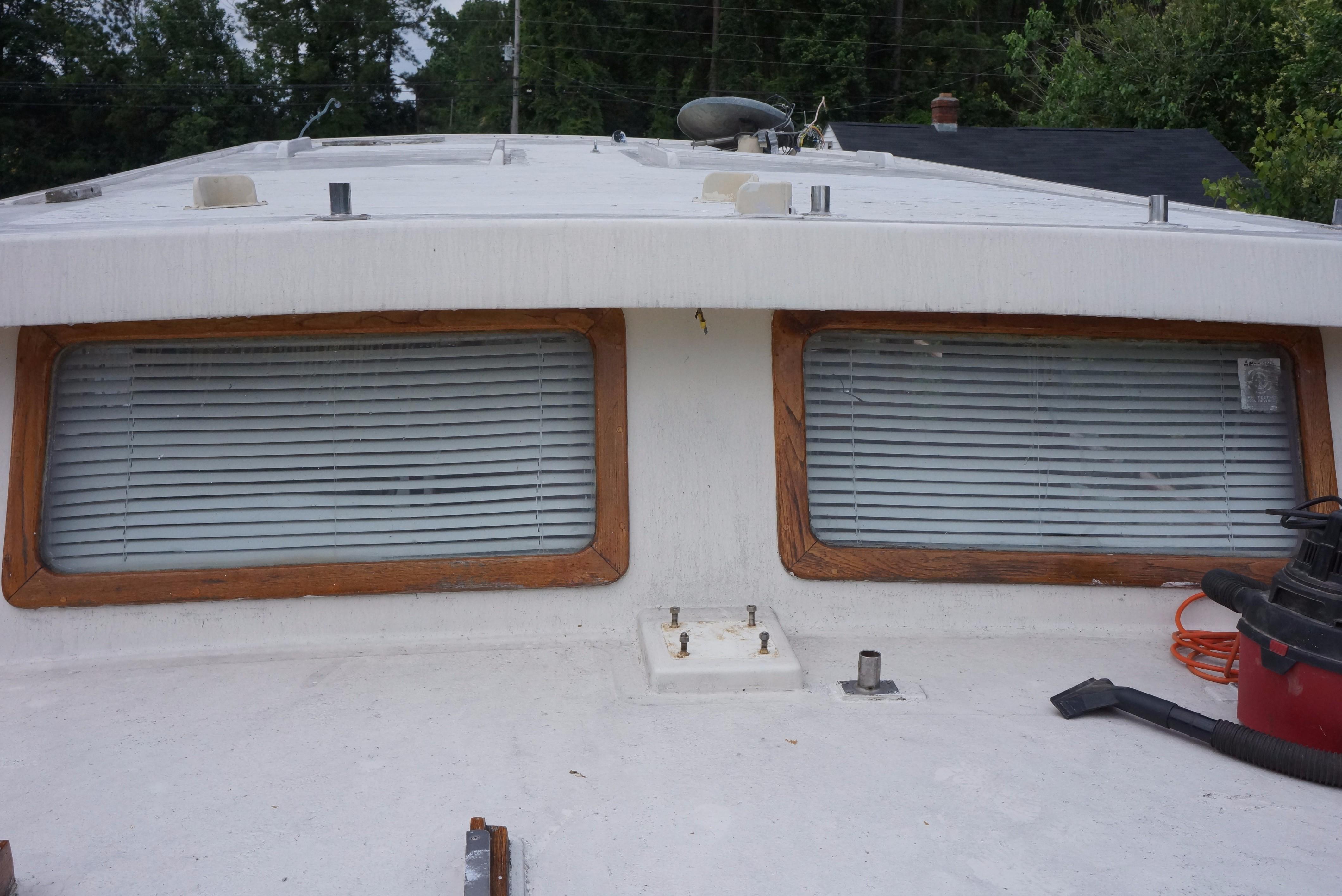 Marine Trader 34 Double Cabin - 34 Marine Trader Hardtop