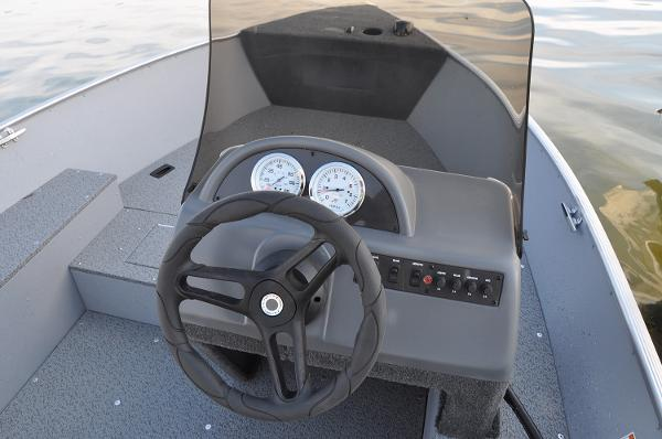 2020 Lund boat for sale, model of the boat is 1400 Fury SS & Image # 5 of 7