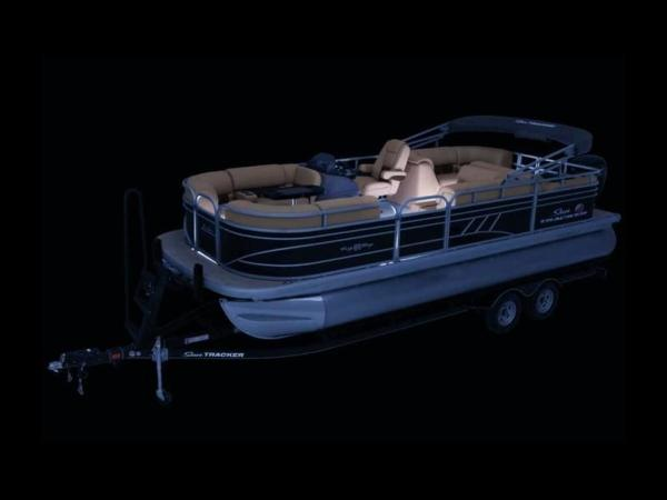 2020 Sun Tracker boat for sale, model of the boat is PARTY BARGE® 22 RF DLX & Image # 12 of 56
