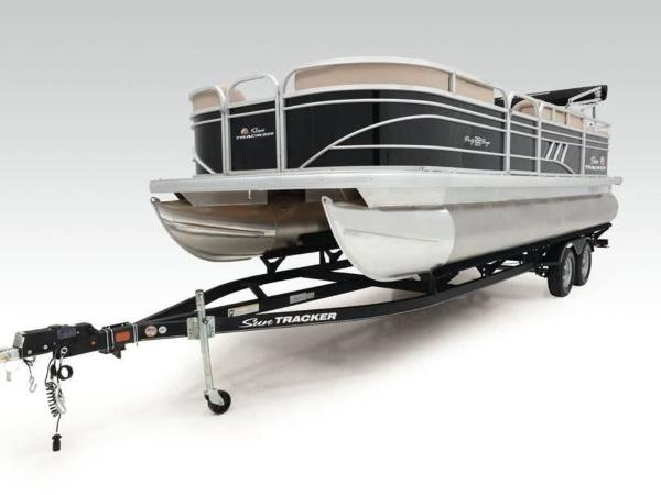 2020 Sun Tracker boat for sale, model of the boat is PARTY BARGE® 22 RF DLX & Image # 15 of 56