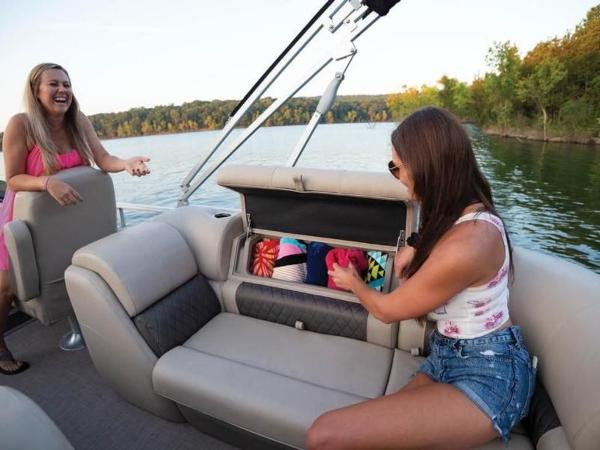 2020 Sun Tracker boat for sale, model of the boat is PARTY BARGE® 22 RF DLX & Image # 29 of 56